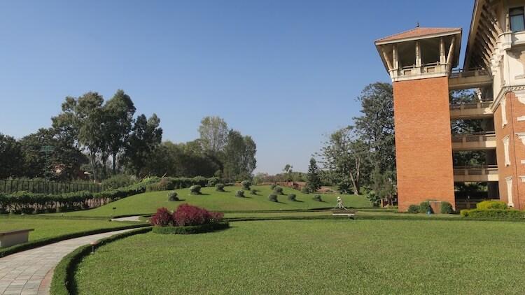 ホテルの庭3