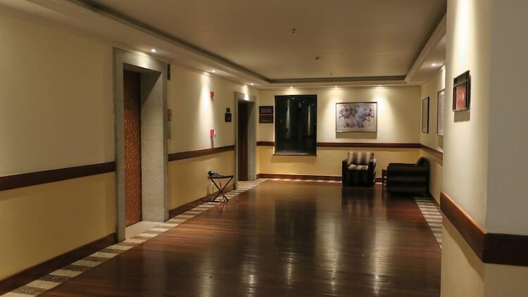 客室階のエレベーターホール2