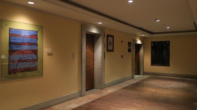 ロビー階エレベーターホール